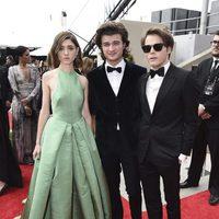 Los adolescentes de 'Stranger Things' en la alfombra roja de los premios Emmy 2017