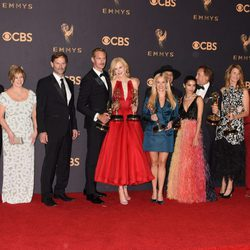 El equipo de 'Big Little Lies' con sus Emmy 2017, incluido mejor miniserie