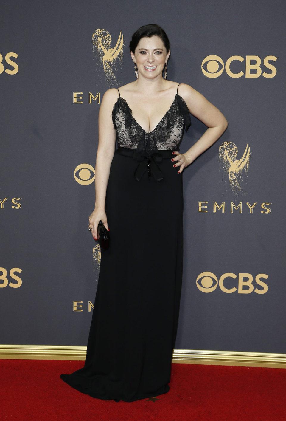 Rachel Bloom en la alfombra roja de los Emmy 2017