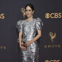 Sarah Paulson en la alfombra roja de los Emmy 2017