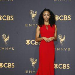 Sonequa Martin-Green en la alfombra roja de los Emmy 2017