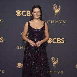 Lea Michele en la alfombra roja de los Emmy 2017