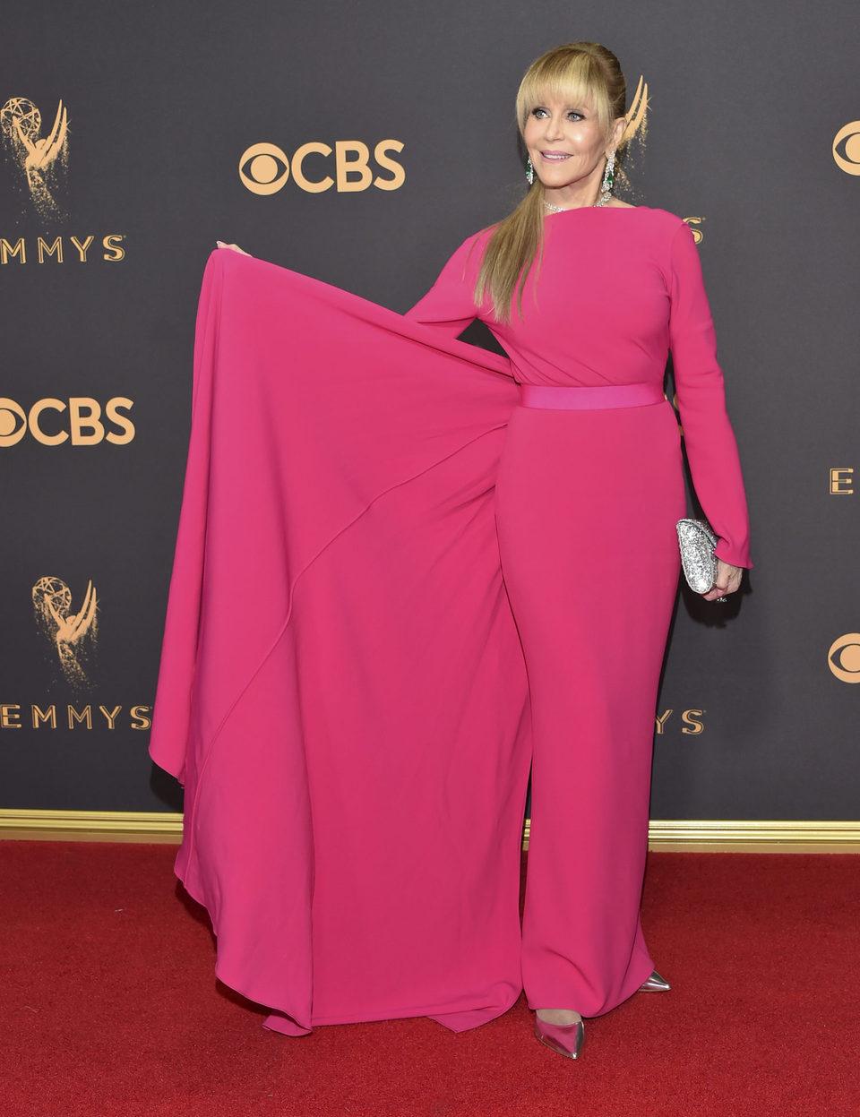 Jane Fonda en la alfombra roja de los Emmy 2017