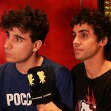 Los Javis siendo entrevistados para eCartelera