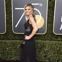 Missi Pyle at the Golden Globes 2018 red carpet