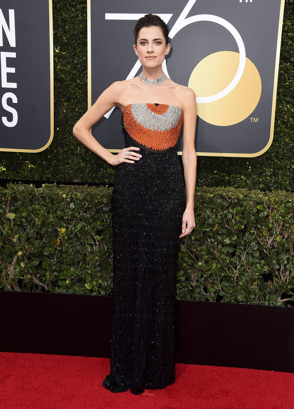 Allison Williams en la alfombra roja de los Globos de Oro 2018