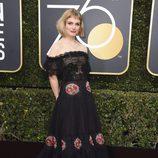 Alison Sudol en la alfombra roja de los Globos de Oro 2018