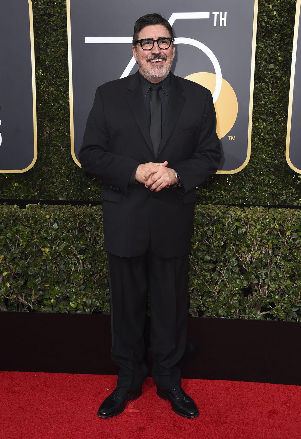 Alfred Molina en la alfombra roja de los Globos de Oro 2018