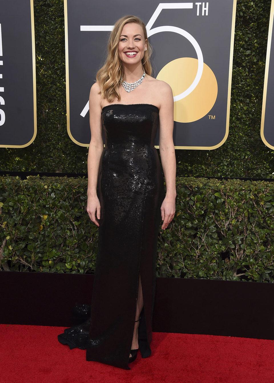 Yvonne Strahovski en la alfombra roja de los Globos de Oro 2018