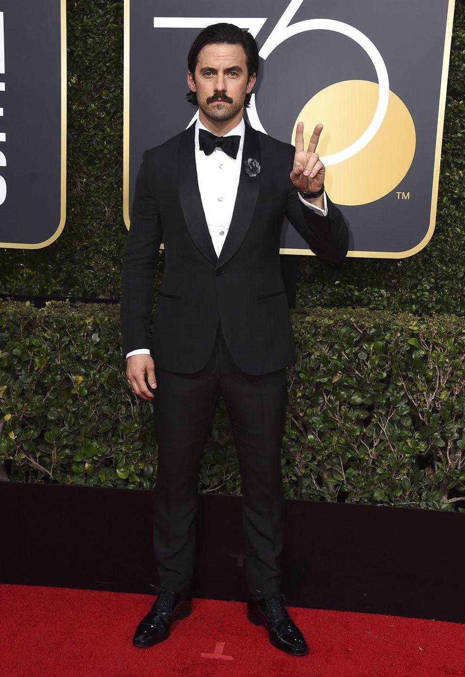 Milo Ventimiglia en la alfombra roja de los Globos de Oro 2018