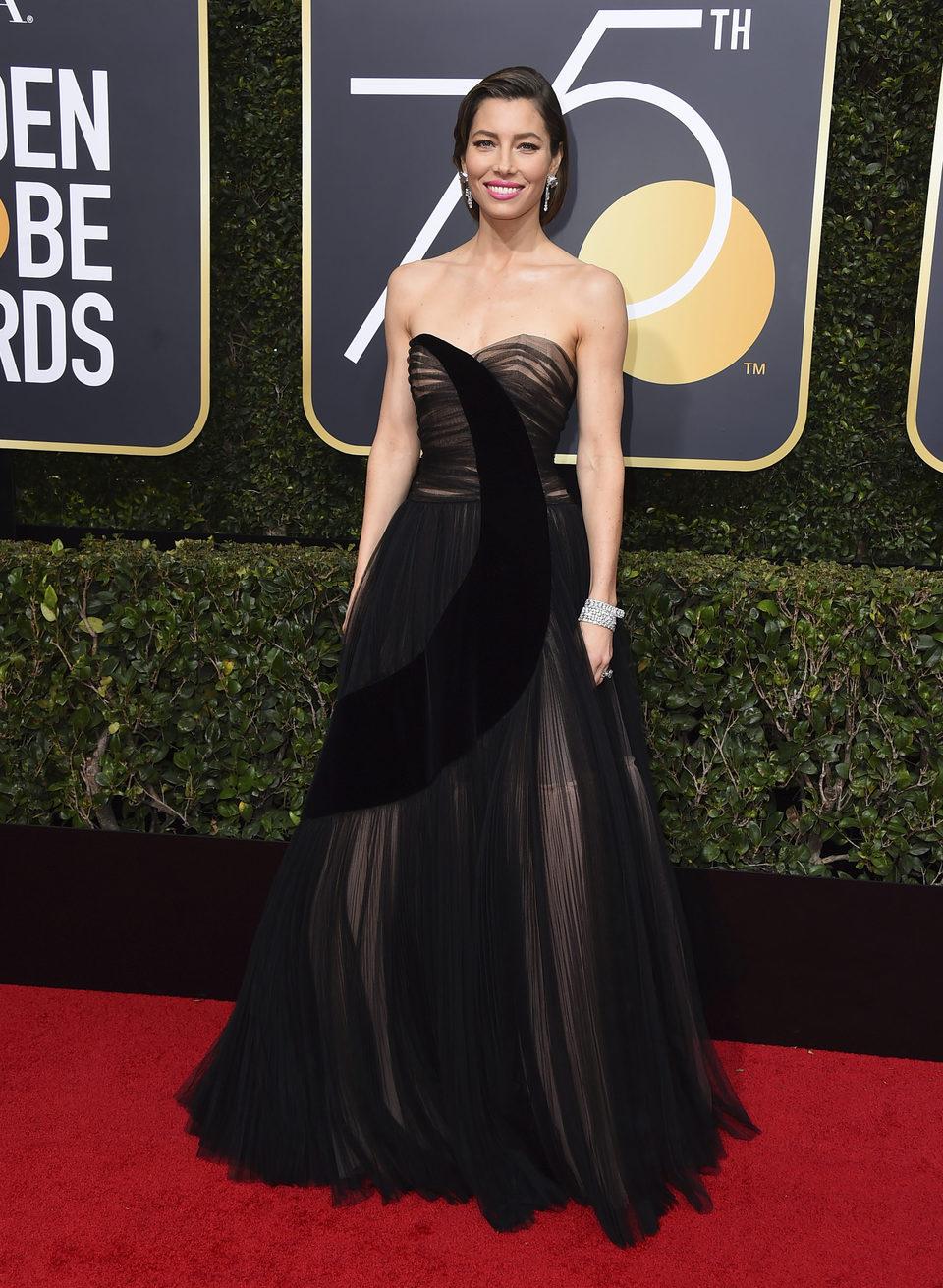 Jessica Biel en la alfombra roja de los Globos de Oro 2018