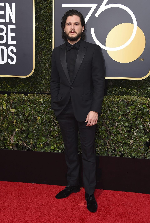 Kit Harington en la alfombra roja de los Globos de Oro 2018