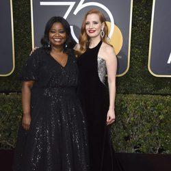 Jessica Chastain y Octavia Spencer en la alfombra roja de los Globos de Oro 2018
