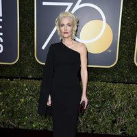 Gillian Anderson at the red carpet of the Golden Globes 2018