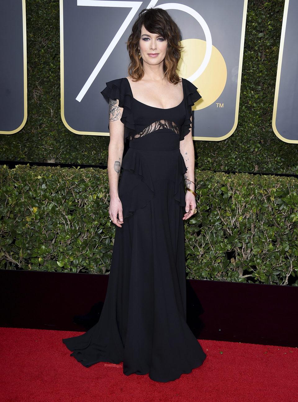 Lena Headey at the Golden Globes 2018 red carpet