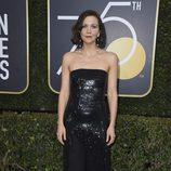 Maggie Gyllenhaal en la alfombra roja de los Globos de Oro 2018