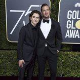 Timothee Chalamet y Armie Hammer en la alfombra roja de los Globos de Oro 2018