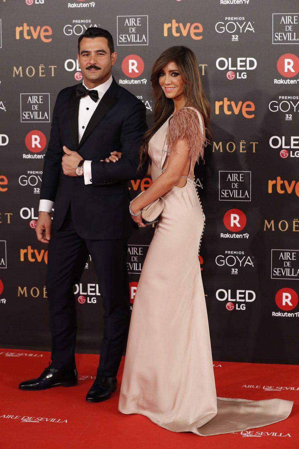 Antonio Velázquez y Marta González durante la alfombra roja de los premios Goya 2018