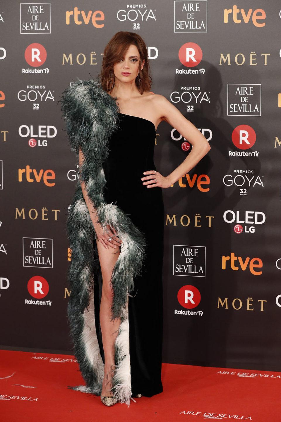 Macarena Gomez en la alfombra roja de los Goya 2018