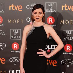 Dafne Fernández en la alfombra roja de los Premios Goya 2018