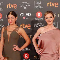 Thaïs Blume, María Esteve y Ramsés en la alfombra roja de los Premios Goya 2018
