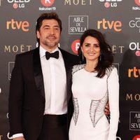 Penélope Cruz y Javier Bardem juntos en la alfombra roja de los Premios Goya 2018