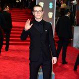 Will Poulter en la alfombra roja de los BAFTA 2018