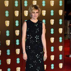 Greta Gerwig en la alfombra roja de los BAFTA 2018