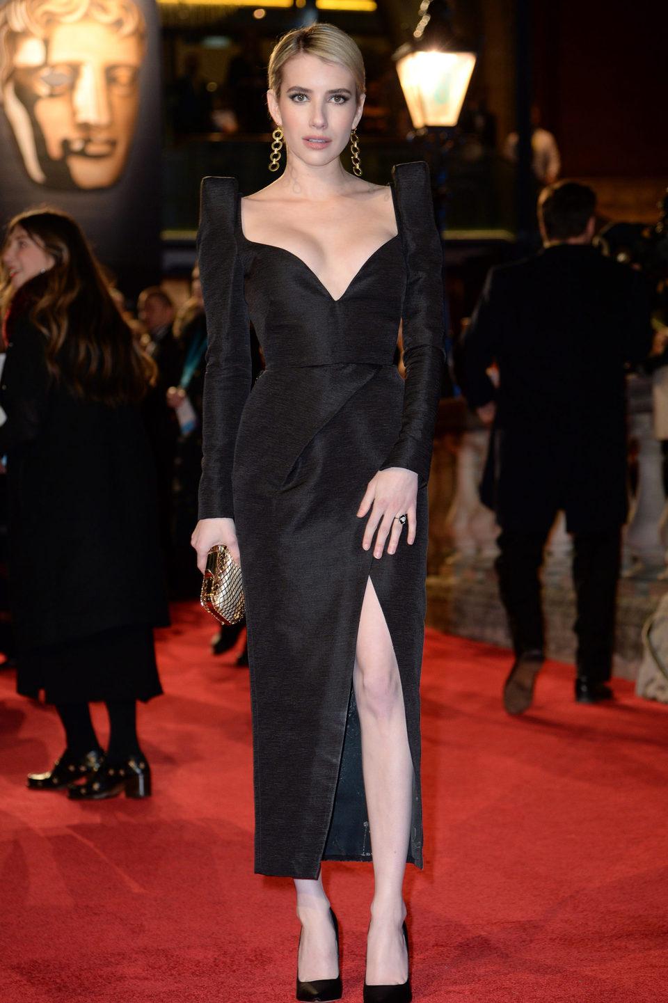 Emma Roberts en la alfombra roja de los BAFTA 2018