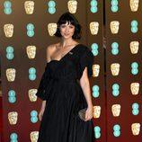 Caitriona Balfe en la alfombra roja de los BAFTA 2018