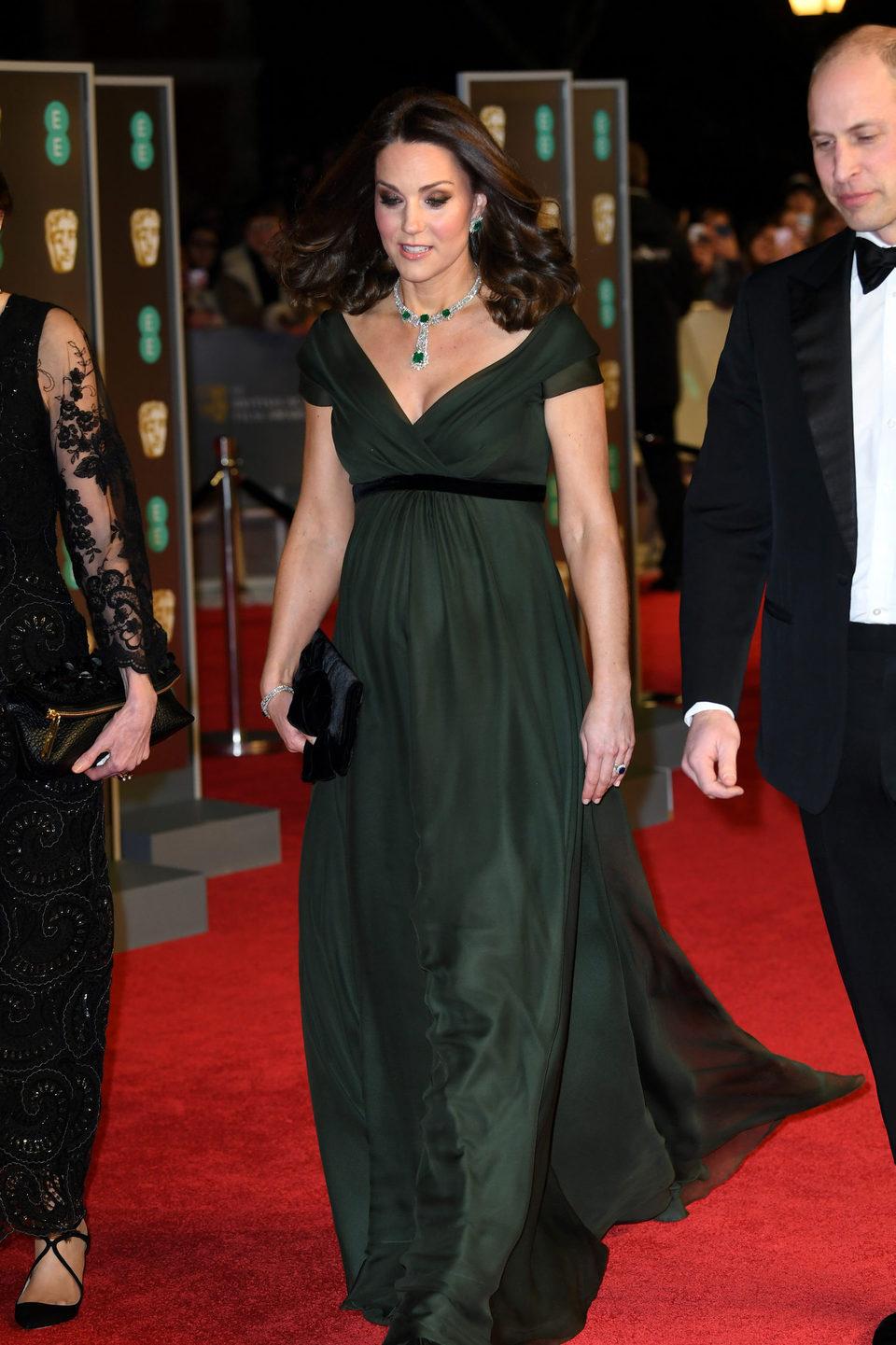 El duque y la duquesa de Cambridge en la alfombra roja de los BAFTA 2018