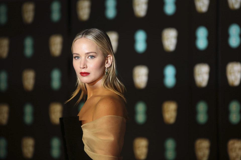 Jennifer Lawrence deslumbrante en los BAFTA 2018