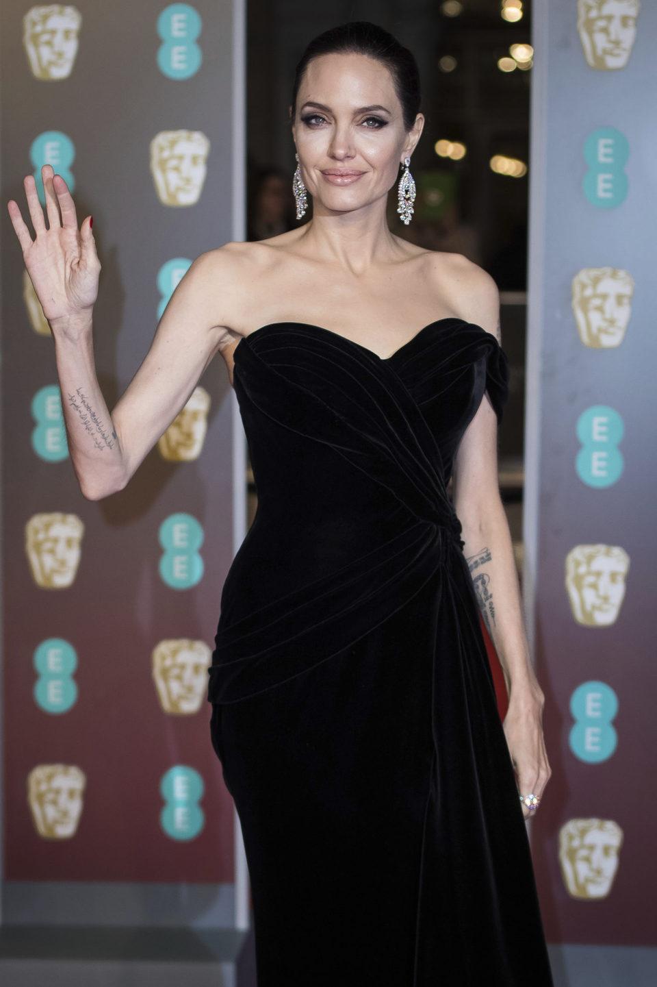 Angelina Jolie en la alfombra roja de los BAFTA 2018
