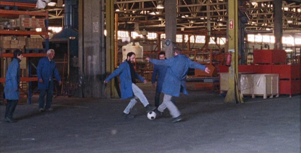 La fábrica de nada, fotograma 2 de 13