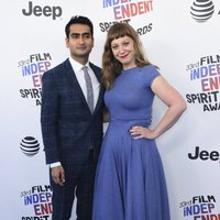 Kumail Nanjiani y Emily V. Gordon en los Spirit Awards 2018
