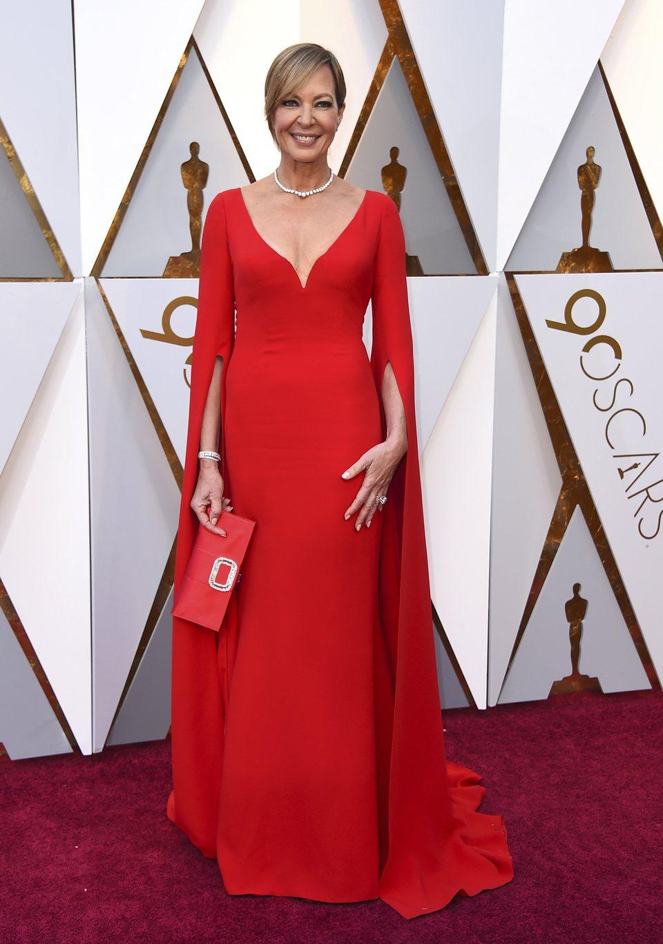 Allison Janney en la alfombra roja de los Oscar 2018