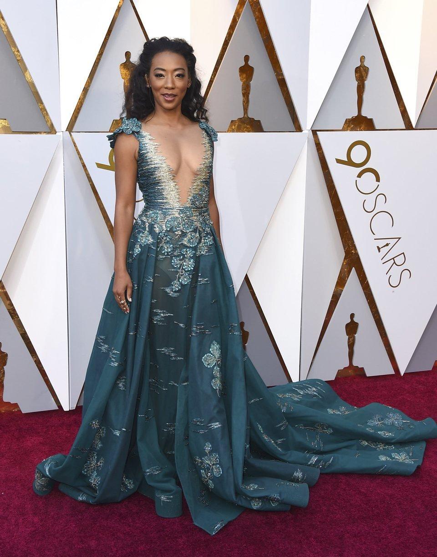 Betty Gabriel en la alfombra roja de los Oscars 2018