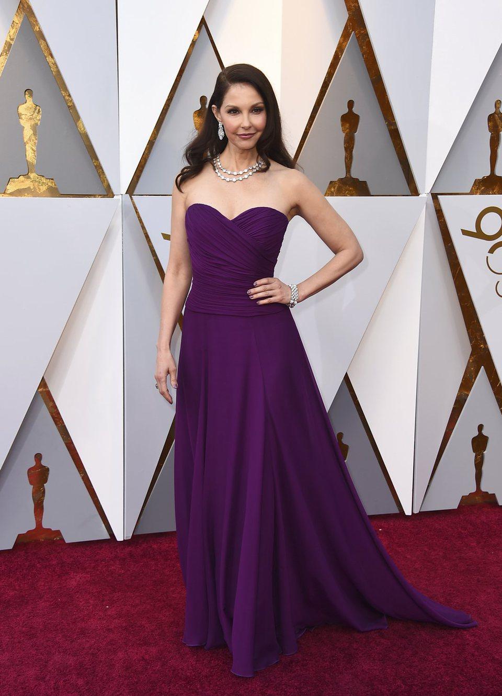 Ashley Judd en la alfombra roja de los Oscar 2018