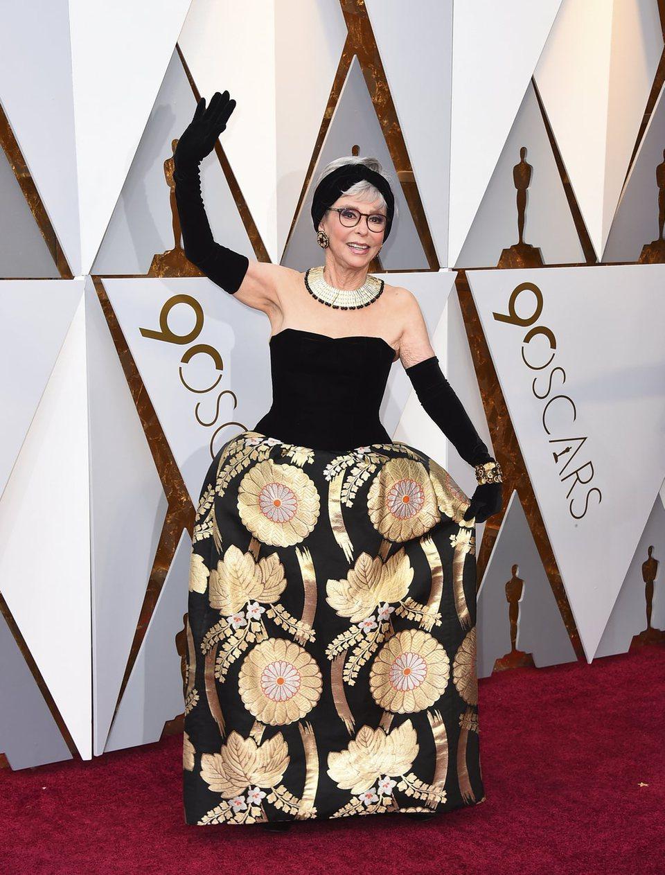 Rita Moreno en la alfombra roja de los Oscar 2018