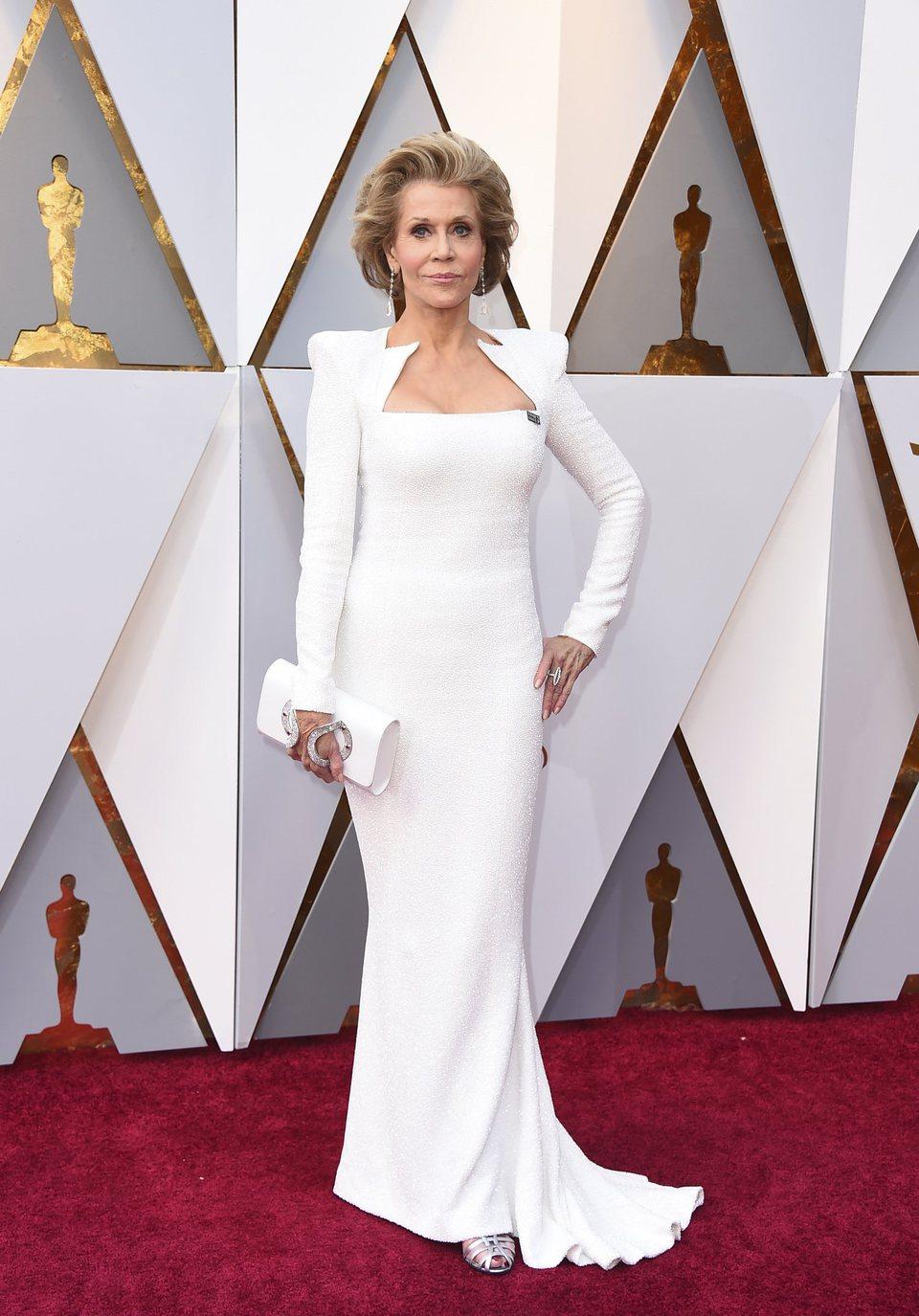 Jane Fonda en la alfombra roja de los Oscar 2018