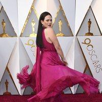 Daniela Vega en la alfombra roja de los Oscar 2018