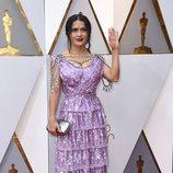 Salma Hayek en la alfombra roja de los Oscars 2018