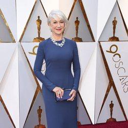 Helen Mirren en la alfombra roja de los Oscar 2018