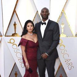 Kobe Bryant  y Vanessa Laine Bryant en la alfombra roja de los Oscars 2018