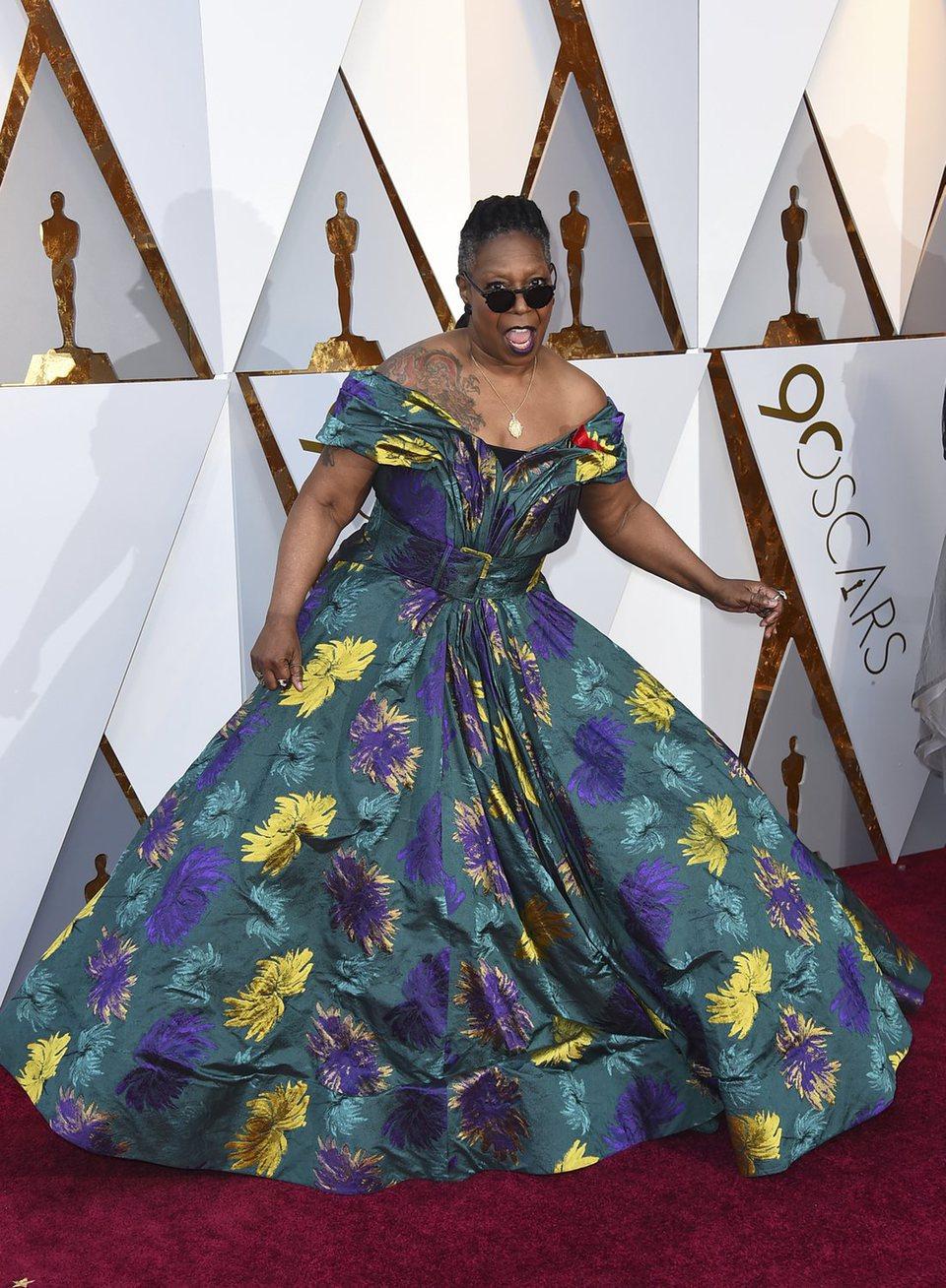 Whoopi Goldberg en la alfombra roja de los Oscar 2018