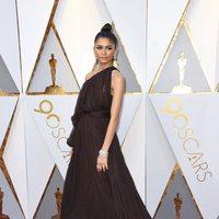 Zendaya en la alfombra roja de los Oscar 2018