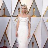 Margot Robbie en la alfombra roja de los Oscar 2018