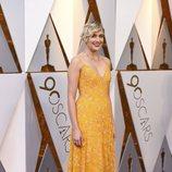 Greta Gerwig posa en la alfombra roja de los Oscar 2018