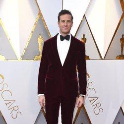 Armie Hammer en la alfombra roja de los Oscar