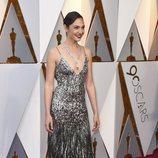 Gal Gadot en la alfombra roja de los Oscars 2018